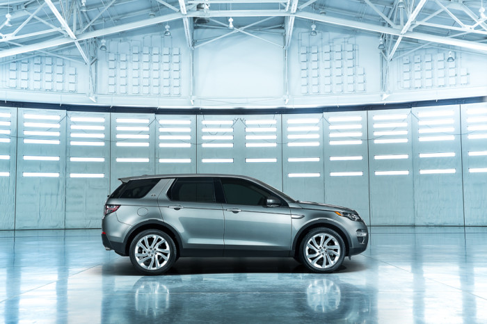 LR_Discovery_Sport_08_(93343)