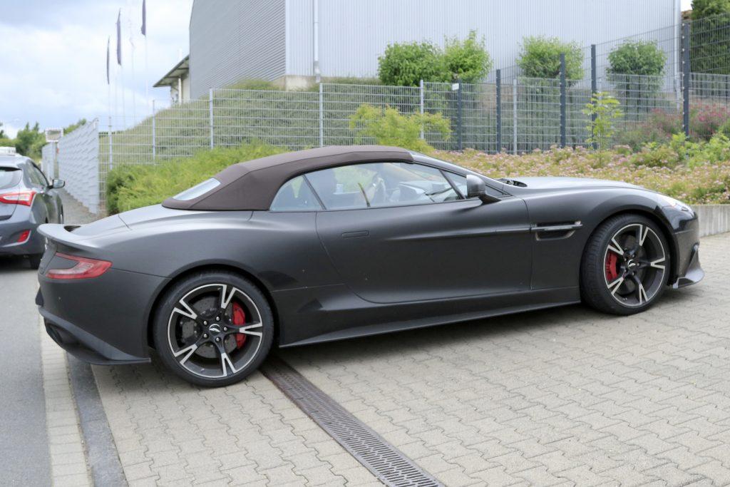 Aston Martin Vanquish S Volante (2)
