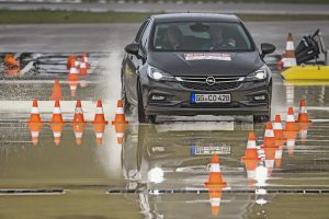 """Talent contest: aspirants for the title """"Germany's best driver"""" (first prize: a new Opel Crossland X) must demonstrate their ability behind the wheel in several practical driving manoeuvres at the Frankfurt show."""