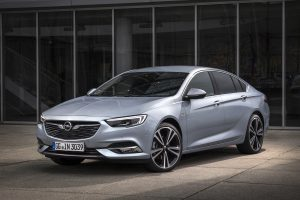 Flagship with power to spare: the new Opel Insignia (here the Grand Sport sedan) is now available with a sequential turbocharged 2.0-liter diesel engine that delivers 154 kW/210 hp and torque of 480 Nm.