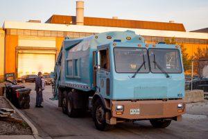 green - primul camion gunoi electric cali