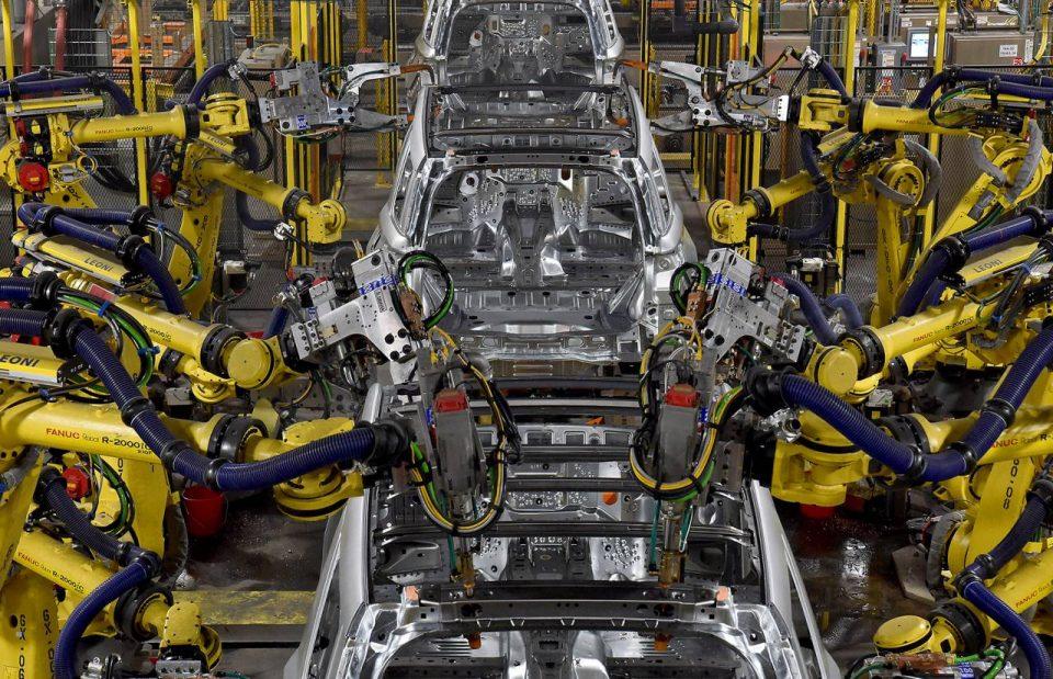 Industria auto - angajați asamblare