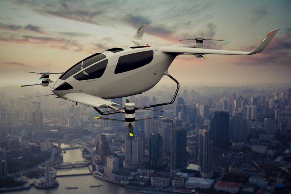 EASA se concentrează pe moment pe mașini zburătoare pilotate de un operator uman și pe drone de transport mărfuri controlate remote