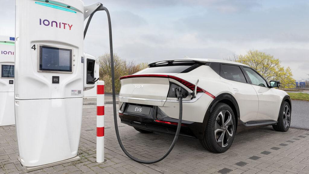 Stațiile Ionity permit noului EV Kia să câștige nu mai puțin de 100 km după fiecare 4,5 minute de încărcare !